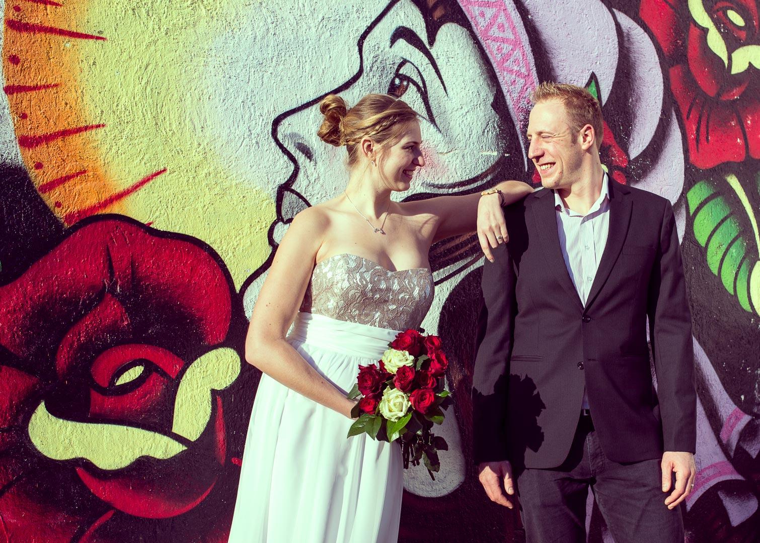Hochzeitsfotograf in Weinheim, im Standesamt oder in der Kirche oder im Park.